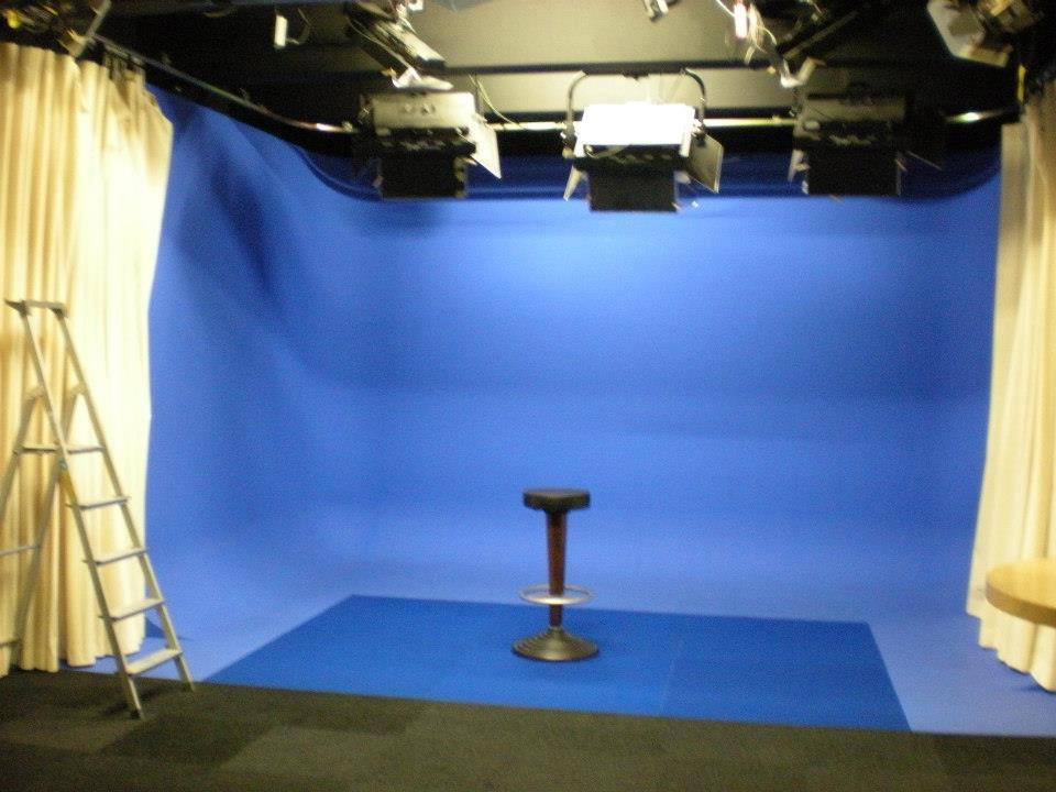 interview nobeo studios famous face academy make up artist ausbildung. Black Bedroom Furniture Sets. Home Design Ideas