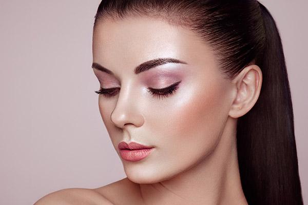 Make Up Artist Und Visagistin Ausbildung Make Up Academy: Wimpernverlängerung Kurs